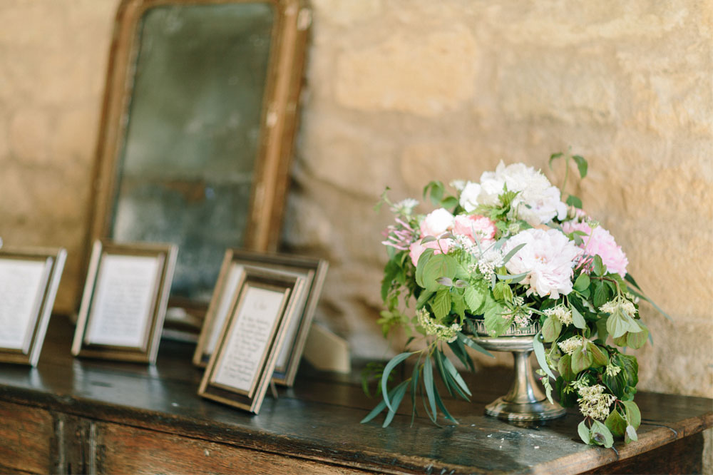 9 Fleurs De Fee Chateau De Bagnols Save The Date Photography