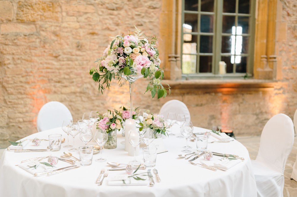 23 Fleurs De Fee Chateau De Bagnols Save The Date Photography